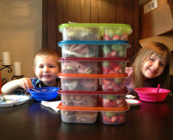 Lunchbox Dad Beau Coffron has lunches packed and ready to go for a big family outing. More about Beau here ► http://bit.ly/18OhcQa